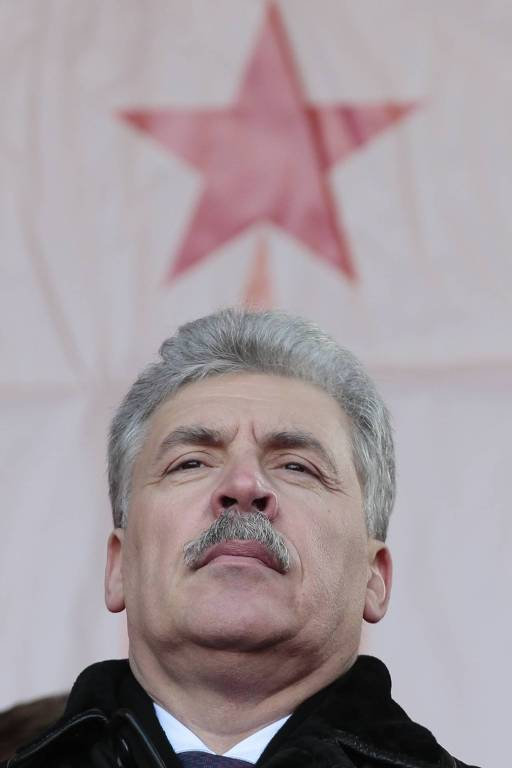 O candidato comunista Pavel Grudinin em comício em Moscou
