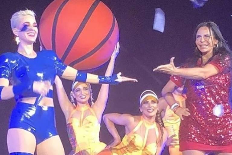 Katy Perry e Gretchen dançam 'Swish Swish', em show em São Paulo