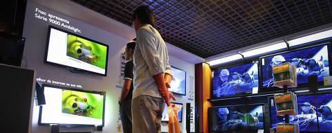 ORG XMIT: _71F4112 SÃO PAULO, SP, BRASIL, 18-08-2011, 15h27: Fnac lança aparelhos de TV com conecção direta a internet. (foto:Rubens Cavallari/Folhapress, GRANA)