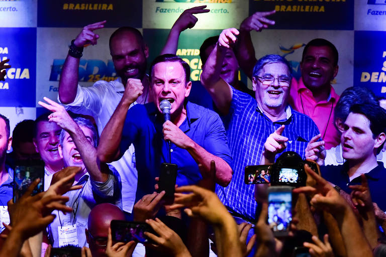O prefeito de São Paulo, João Doria, discursa após vencer prévias do PSDB para disputar o governo do estado
