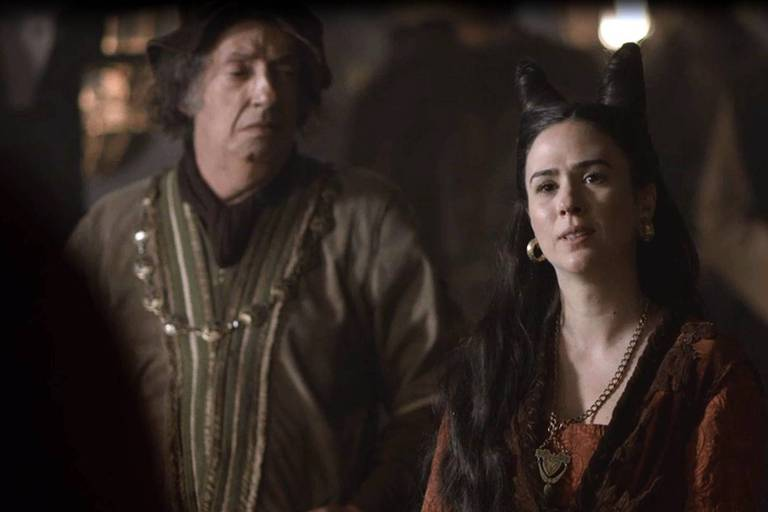 Lucrécia (Tatá Werneck) anuncia que não voltará para seu reino natal