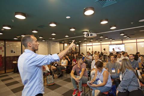 SAO PAULO, SP, BRASIL, 16-03-2018, 15h00: Emerson Ferreira, presidente da ONG Reflexoes da Liberdade fala durante programa Shape Latam do Learning Journey Global Shapers. (Foto: Ze Carlos Barretta/Folhapress SUP-ESPECIAIS)