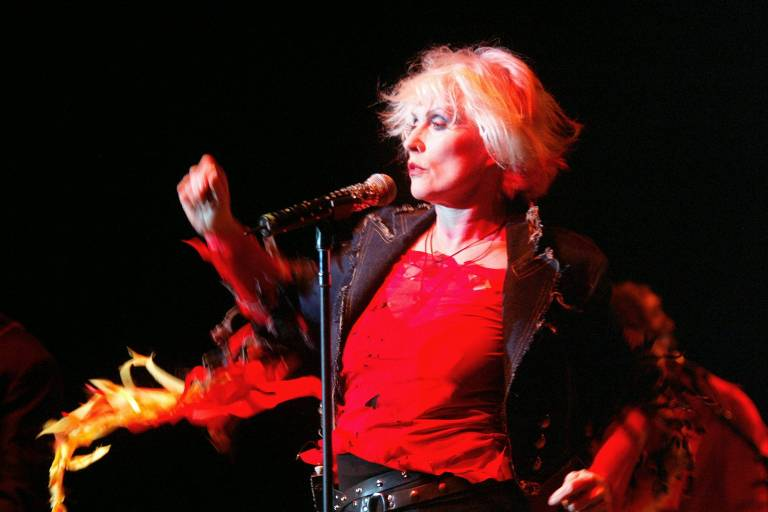 A cantora Debbie Harry, do Blondie, em show em Paris