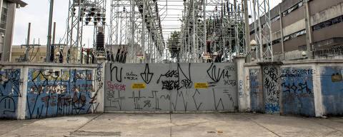 SÃO PAULO, SP, 09.12.2015: Estação distribuidora e transformadora de energia da Companhia de Energia Elétrica AES Eletropaulo na rua Jundiaí, zona Sul de São Paulo (Foto: Alf Ribeiro/Folhapress)