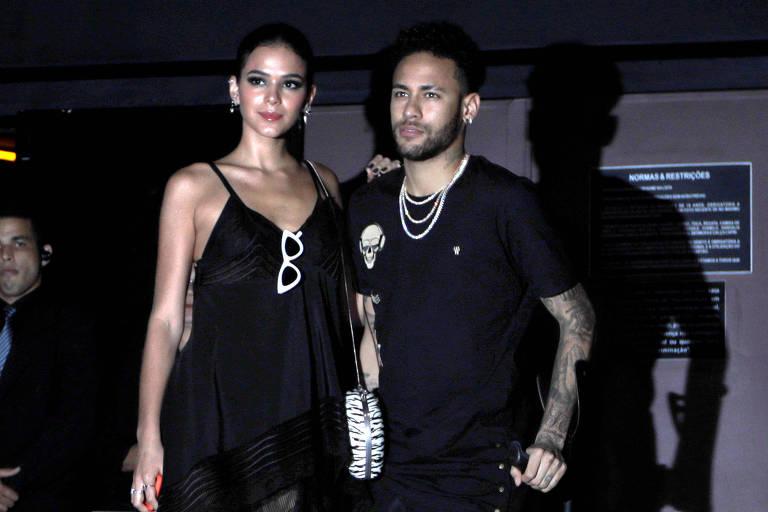 Neymar e Bruna Marquezine chegam na casa noturna parta comemorar aniversário de Rafaella