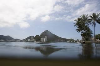 DESPOLUIÇÃO DA LAGOA - RIO DE JANEIRO