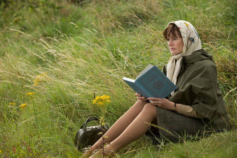"""Emily Mortimer em cena de """"A Livraria"""", de Isabel Coixet"""
