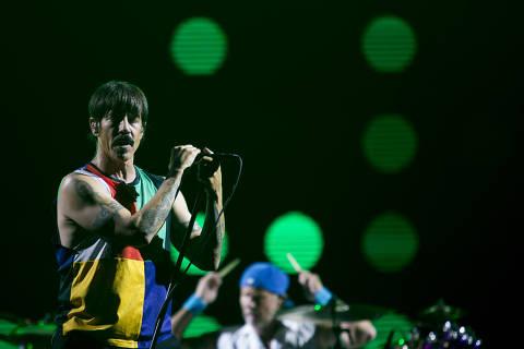 ******INTERNET OUT******* RIO DE JANEIRO, RJ, BRASIL, 24-09-2017, 00h: Red Hot Chili Peppers se apresenta durante o sétimo e último dia do Rock In Rio 2017, que acontece no Parque Olímpico, localizado na Zona Oeste da cidade do Rio de Janeiro. (Foto: Bruna Prado/UOL). ATENCAO: PROIBIDO PUBLICAR SEM AUTORIZACAO DO UOL