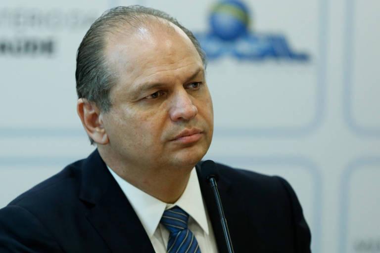 Procurador pede afastamento do ministro da Saúde