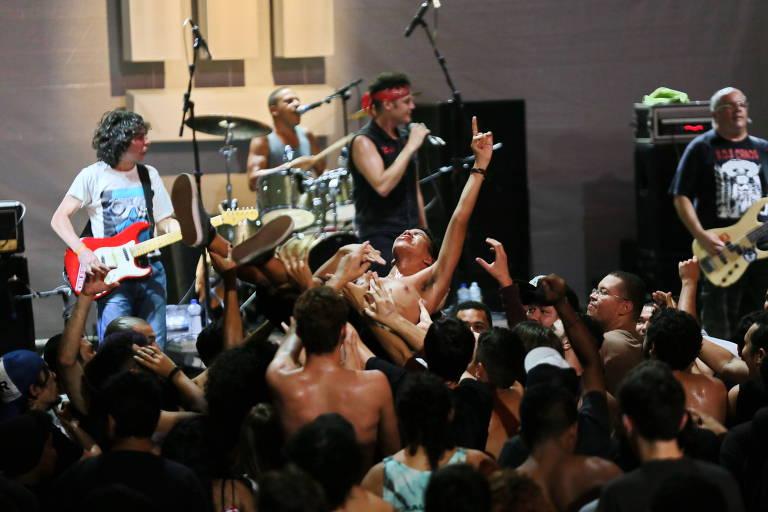 A banda de punk rock Cólera