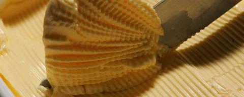 Caderno EQUILIBRIO: Fotos de alimentos que contem gordura Trans (biscoito recheado,cream-cracker,margarina,batata frita de fast-food,sorvete,bolo, croissant, etc)(Sao Paulo, SP.25.07.2005. 15h. Foto Eduardo Knapp/Folha Imagem. Digital)