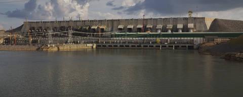 ALTAMIRA, PA. 30/09/2016. ESPECIAL TRANSAMAZONICA. Usina hidrelétrica de Belo Monte localizada as margens da rodovia Transamazonica proximo a Altamira. ( Foto: Lalo de Almeida/ Folhapress  COTIDIANO ) *** EXCLUSIVO FOLHA ***