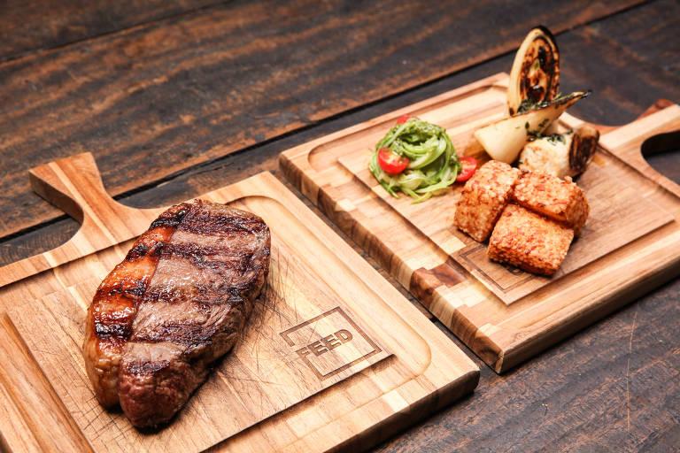 No restaurante Feed, bife de chorizo pode vir com dadinhos de tapioca, pupunha assada na grelha e abobrinha