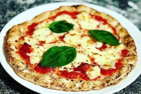 Pizza margherita feita em casa com o método do maçarico, Blog Cozinha Bruta