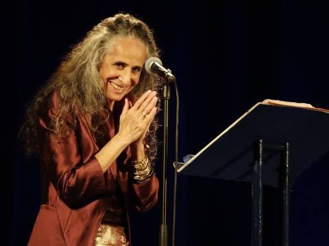 Maria Bethânia no documentário Karingana