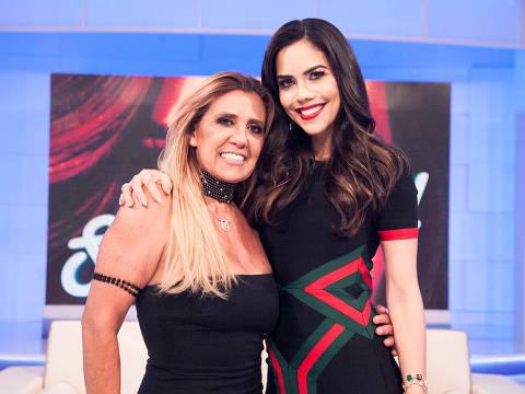 Rita Cadillac participa do programa Sensacional de Daniela Albuquerque