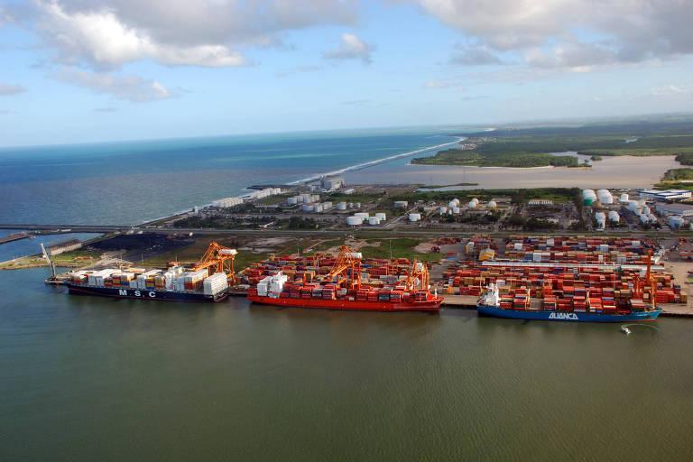Porto de Suape, entre os municípios do Ipojuca e Cabo de Santo Agostinho, em Pernambuco