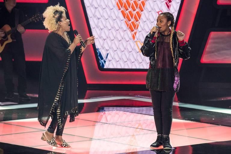 Mãe e filha, Deise e Talita cantam no 'The Voice Kids' (Globo)