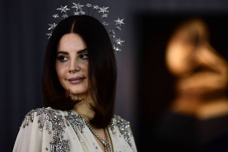 A cantora Lana del Rey durante a cerimônia do Grammy 2018