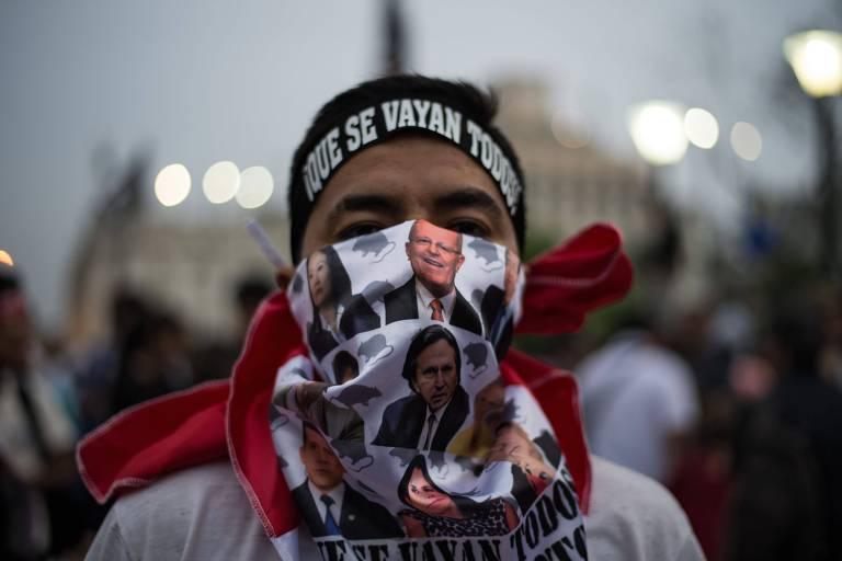Presidente do Peru demite-se