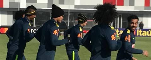 Jogadores da seleção em treino no centro do Spartak