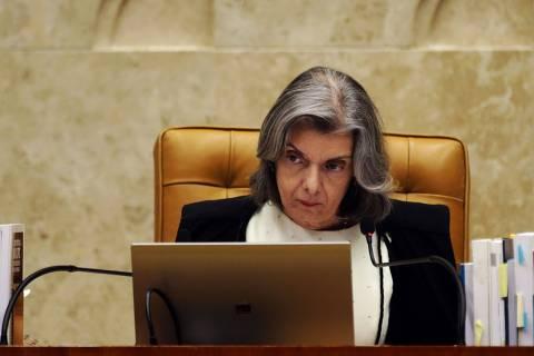 Cármen Lúcia afirma que julgamento foi interrompido para evitar exaustão deministros