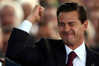 México tenta regulamentar publicidade do governo; críticos dizem que é golpe
