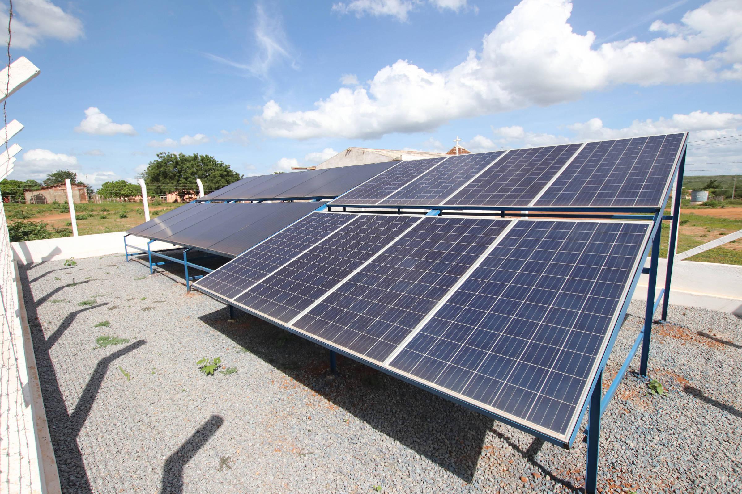 Brasil entra no grupo de 20 países líderes em energia solar – Folha de S.Paulo