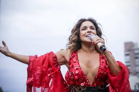 *******INTERNET OUT******* SÃO PAULO, SP, BRASIL, 18/02/2018, 17h30: A cantora Daniela Mercury comanda o bloco Pipoca da Rainha, na rua da Consolação. (Foto: Marcelo Justo/UOL).  *****ATENÇÃO: PROIBIDO PUBLICAR SEM AUTORIZAÇÃO DO UOL*****