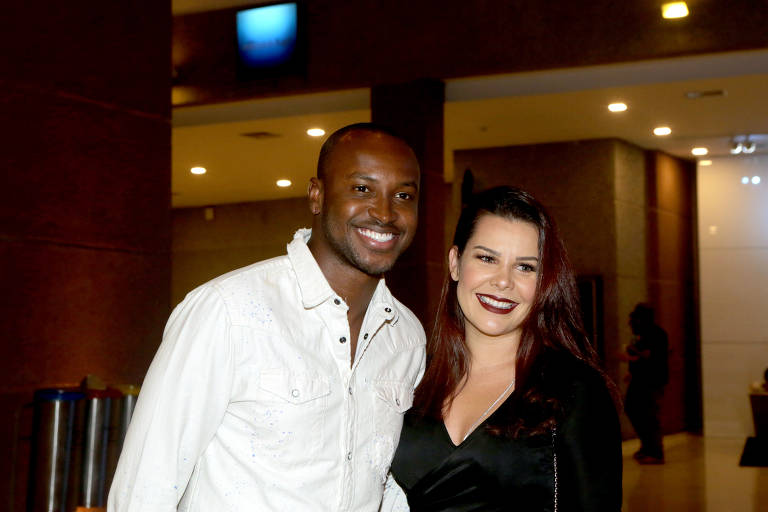 O cantor Thiaguinho e a mulher, a atriz Fernanda Souza