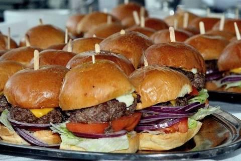 Usar gourmet virou ridículo, diz blogueiro do Cozinha Bruta. Crédito: Wikimedia Commons