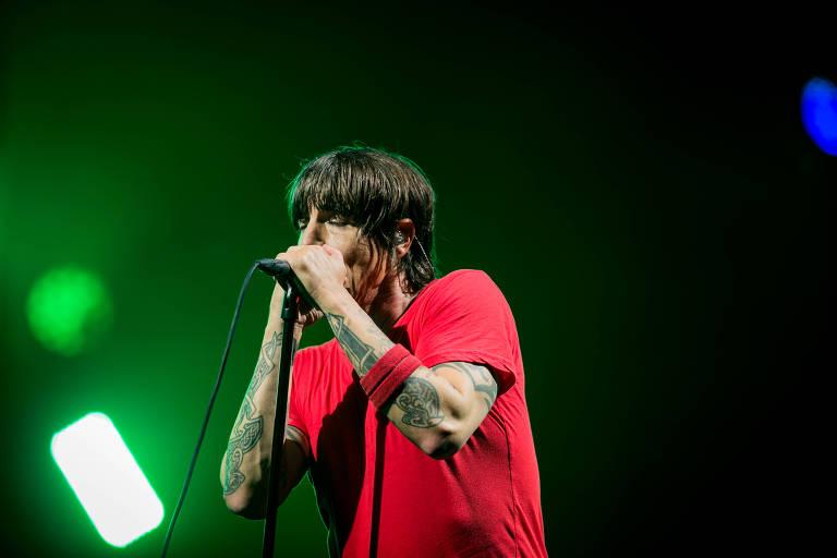 A banda Red Hot Chili Peppers encerra o primeiro dia de festival no palco Budweiser