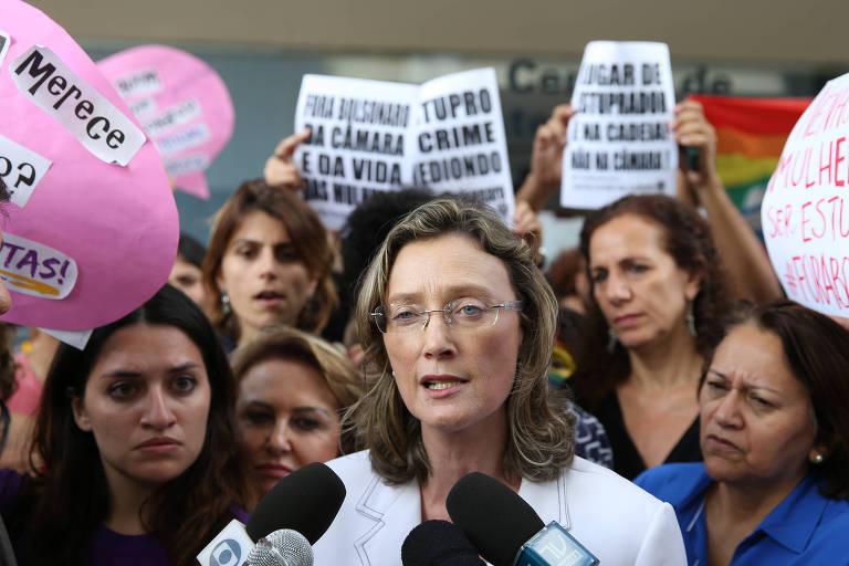 A deputada Maria do Rosário (PT)  protocola queixa-crime no Supremo Tribunal Fedral contra o colega Jair Bolsonaro