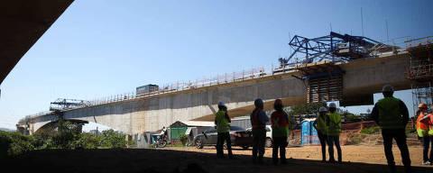 SAO PAULO/SP BRASIL. 12/07/2016 - Visita monitorada as obras da nova linha da CPTM, que levara ate o aeroporto de Guarulhos.(foto: Zanone Fraissat/FOLHAPRESS, COTIDIANO)***EXCLUSIVO***