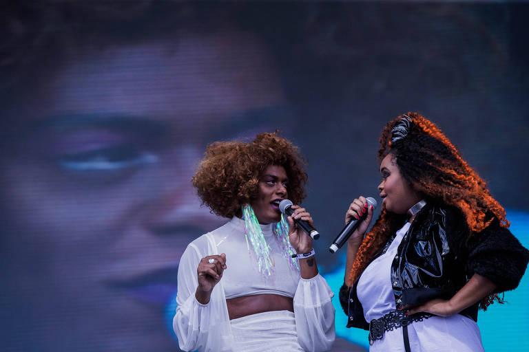 Show da banda Liniker e os Caramelows, no palco Onix, no segundo dia do festival Lollapalooza, no autódromo de Interlagos em São Paulo