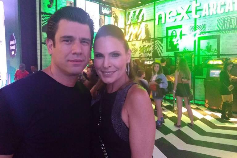 Laura Müller e o namorado, Ricardo Ferreira, no Lollapalooza