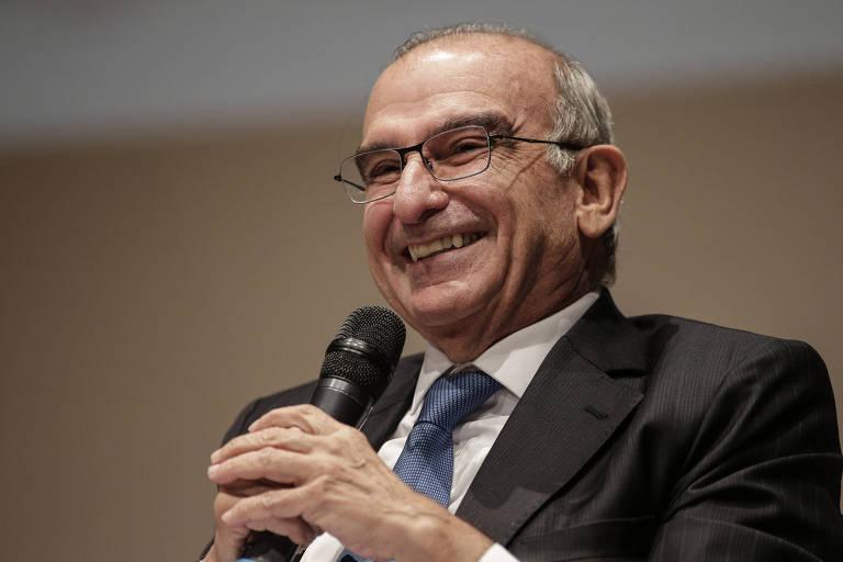 Candidato à presidência da Colômbia, Humberto de la Calle participa de conferência em Bogotá, na Colômbia, em 23 de janeiro de 2018.
