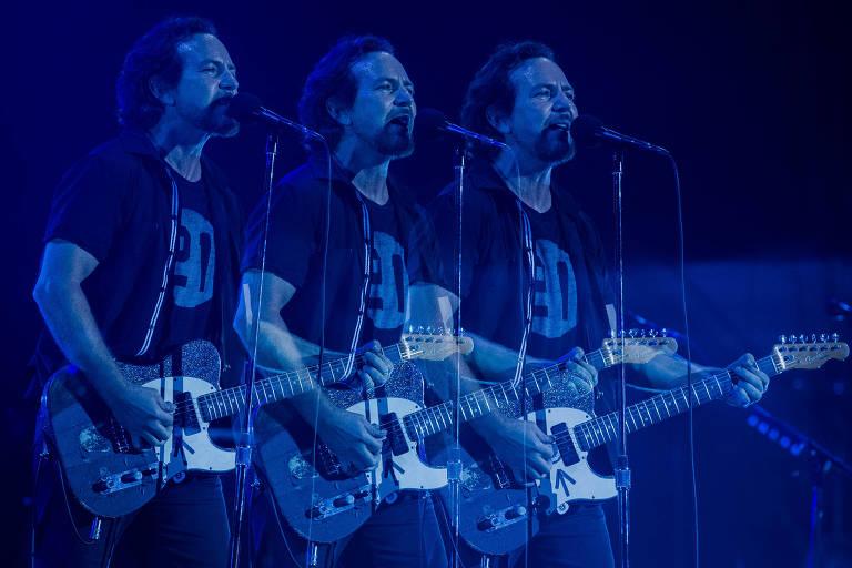 Eddie Vedder, vocalista do Pearl Jam, encerra o segundo dia do Lolla