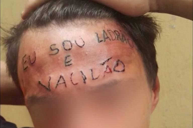 Tatuado com 'ladrão e vacilão' na testa é preso por furto