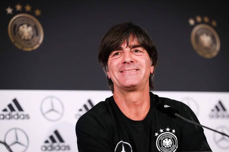 Técnico Joachim Low, da Alemanha, concede entrevista coletiva na véspera do jogo amistoso contra o Brasil