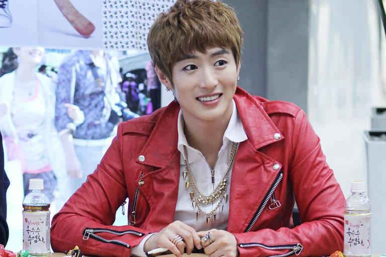 Astro de banda, Seo Min-woo é achado morto aos 33 anos