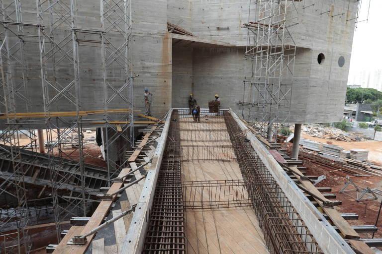 Obras do que seria o Museu do Trabalho e do Trabalhador, em São Bernardo do Campo, em 2013