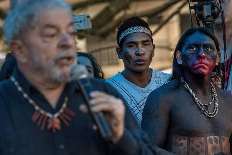 Ex-presidente Lula participa de ato em Quedas do Iguaçu, no Paraná