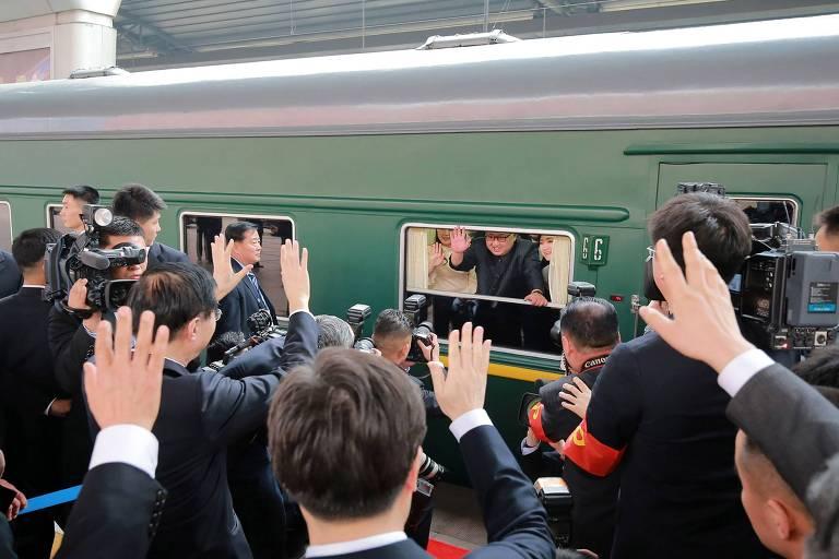 Kim Jong-un visita a China