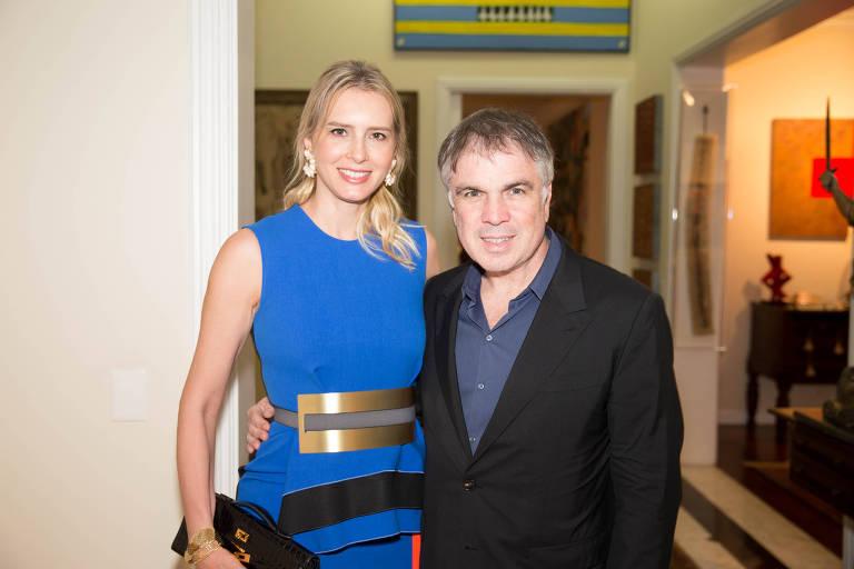 Flavio Rocha e a esposa, Anna Claudia, em jantar