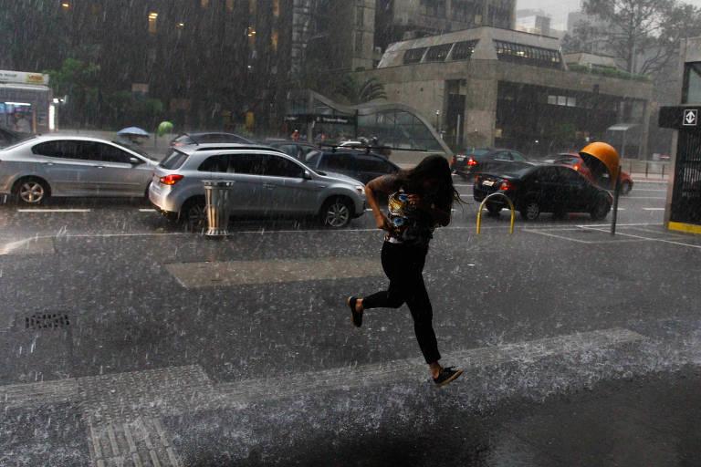 Chuva causa transtornos em SP