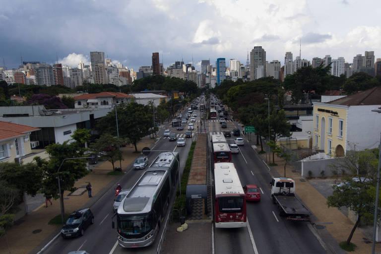 Corredores de ônibus em São Paulo