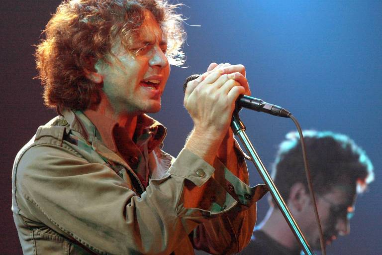 PEARL JAM TO MEET WITH DENMARK OFFICIALS