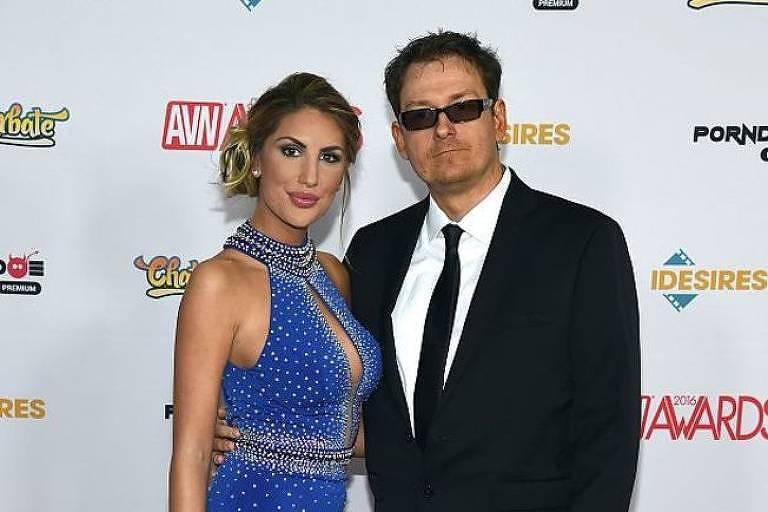 August Ames, em foto com seu marido Kevin Moore, havia se queixado de receber mensagens abusivas nas redes sociais