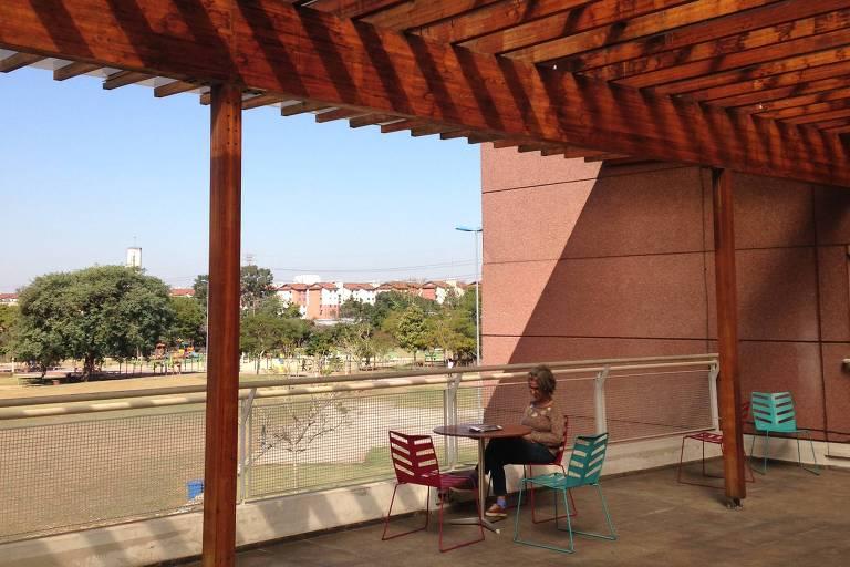 Área externa da Biblioteca de São Paulo